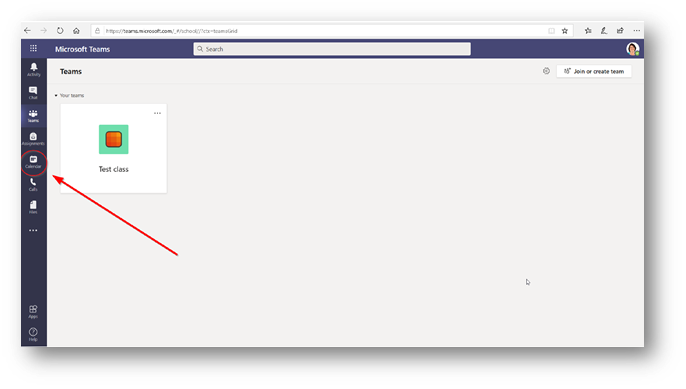 Arrow pointing to the calendar button in the Microsoft teams web app global navigation menu